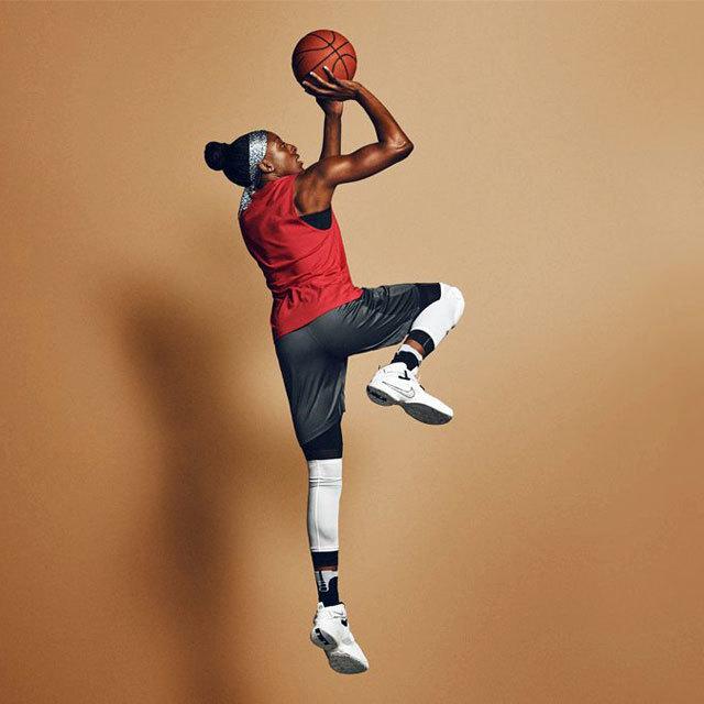 WNBA Los Angeles Sparks Nnemkadi Nneka Ogwumike