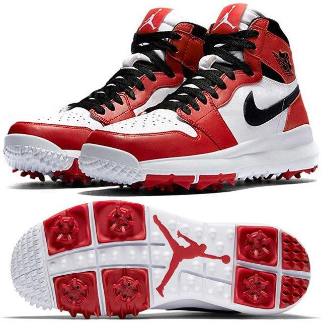 昨年末に〈Nike(ナイキ)〉により明らかになった「Air Jordan 1 Retro」のゴルフシューズ。アイコニックなシルエットにひねりを加えた新モデルにゴルフ好きなスニーカーヘッズたちの間で発売前から話題となった。同モデルは「Air Jordan 1」誕生30周年を記念して、Michael Jordan(マイケル・ジョーダン)が個人的に趣味としているゴルフからインスパイアされ製作したという。