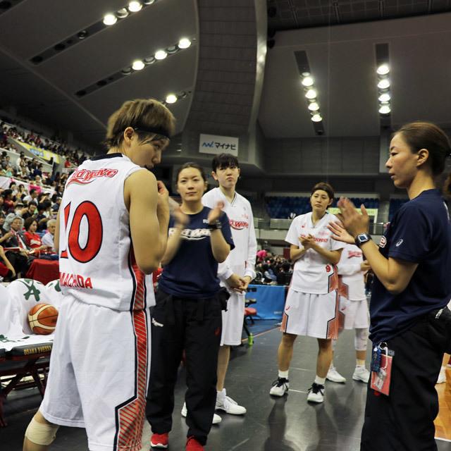 WJBL FUJITSU Red Wave #10 Rui Machida 富士通レッドウェーブ 背番号10 町田瑠唯 ルイ photo by izy Rodriguez (Team Zion)