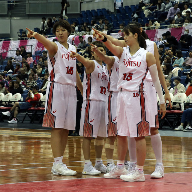 WJBL FUJITSU Red Wave #10 Rui Machida photo by izy Rodriguez (Team Zion)