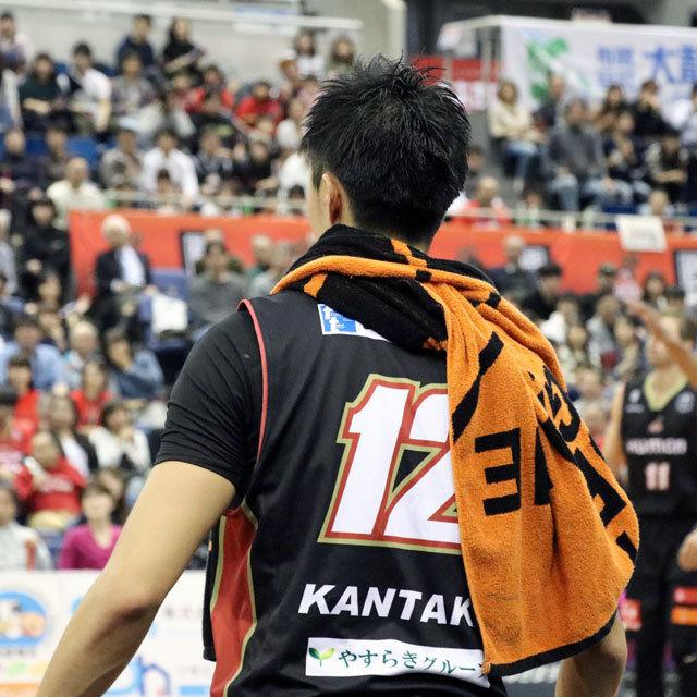 B.LEAGUE OSAKA EVESSA #12 HAYATO KANTAKE photo by izy Rodriguez (Team Zion)