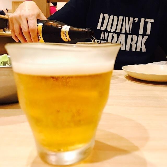 串かつだるま ルクア大阪店 瓶ビールは最高!