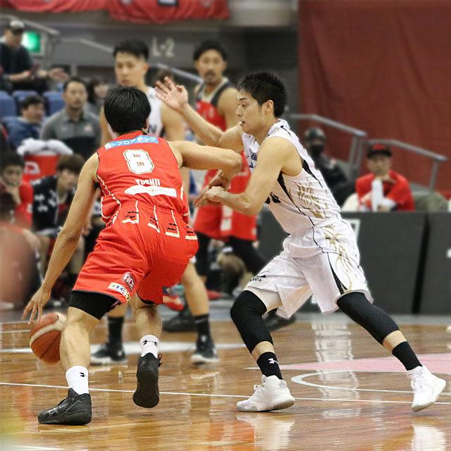 B.League Osaka Evessa #8 Hirotaka Yoshii vs SeaHorses Mikawa #30 Yuta Okada